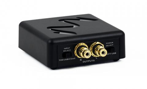 With two S/PDIF inputs that support 24-bit 192-kHz signals, as well as an asynchronous USB for computer streaming